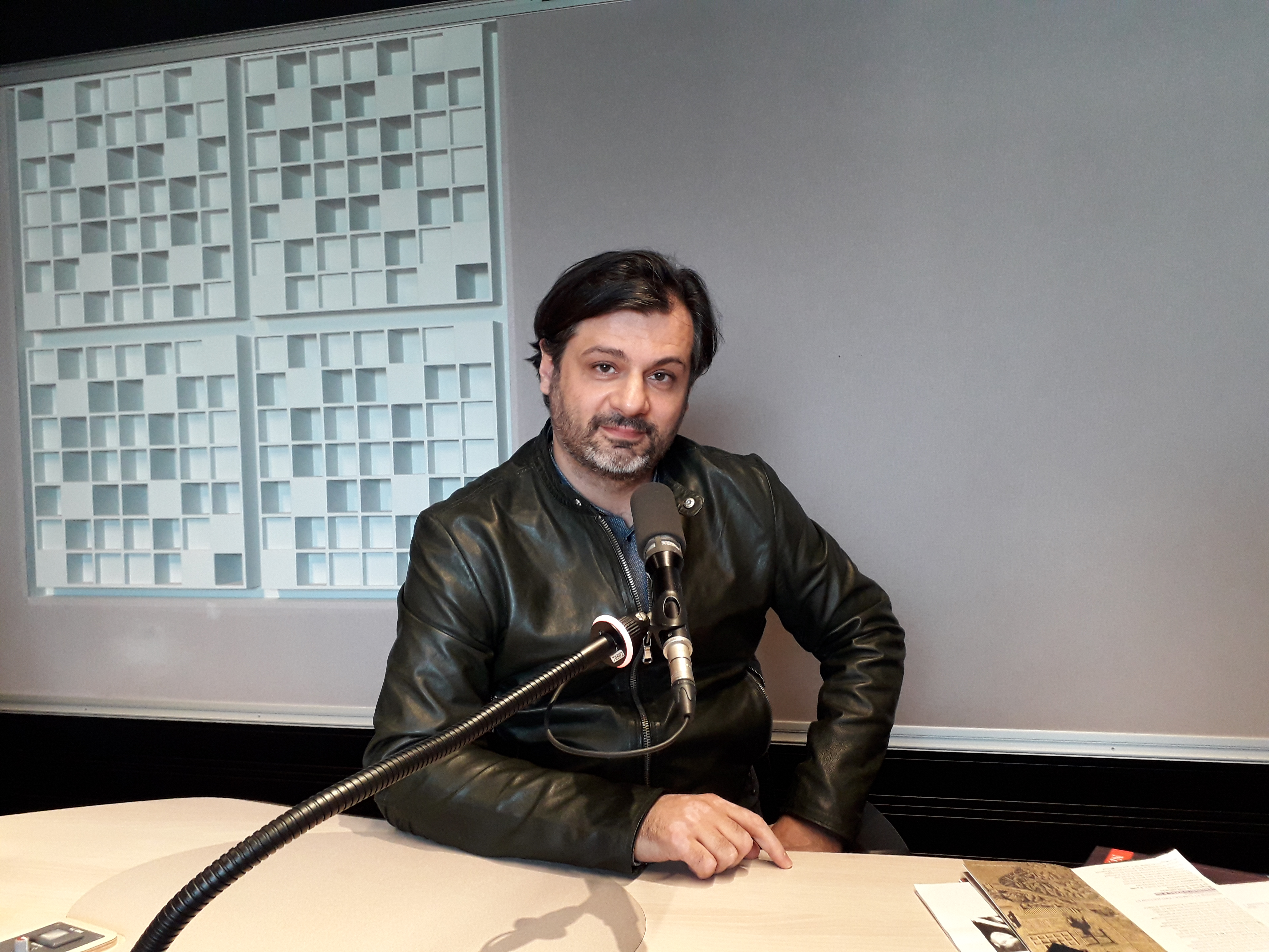"Paolo Cavallone at Studio 716, ""Tapage nocturne"" with Bruno Letort, © Radio France / Bruno Riou-Maillard - 2019"